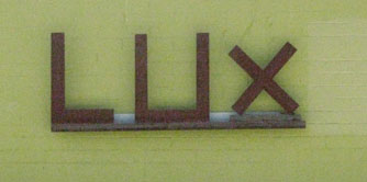 lux-sign-resize-and-crop