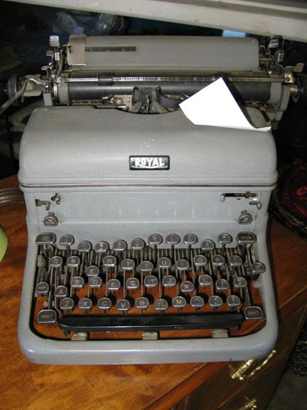 Qcumberz typewriter
